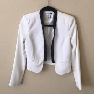 Forever 21 White Blazer (Size Small)